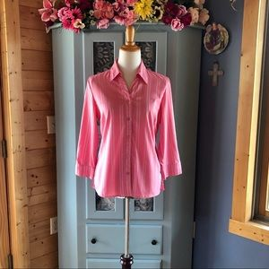 Beautiful Pink Button Front Blouse. Brand NEW! WOW